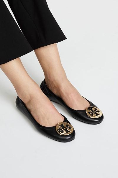 รองเท้าเทรนนิ่งนิยม